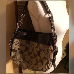 Authentic (L1093-F12657) signature Coach Bag